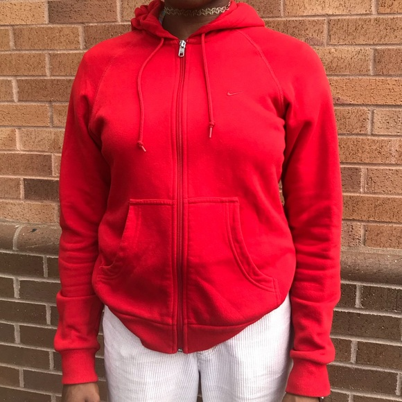 66a7d0950b Womens Red Nike Hoodie. M 5b7dbf7d0945e015fbad54aa